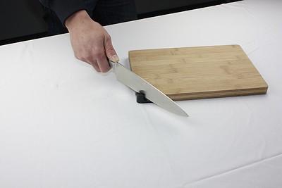 t0924t-taidea-bamboo-cutting-board-with-knife-shar